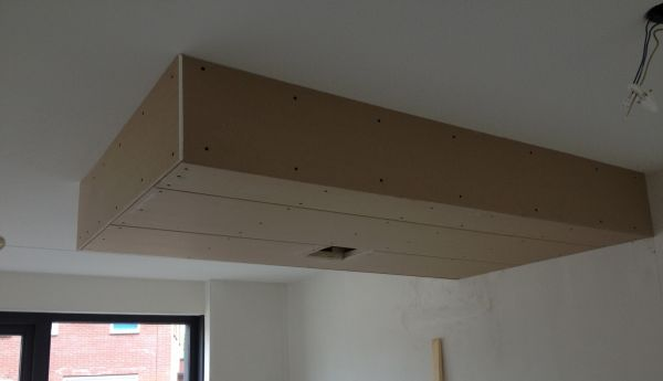 Spotjes in verlaagd plafond