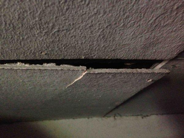 asbest plafondplaten in schuur