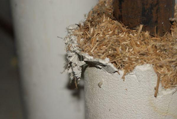 zou dit asbest gips kunnen zijn. Black Bedroom Furniture Sets. Home Design Ideas