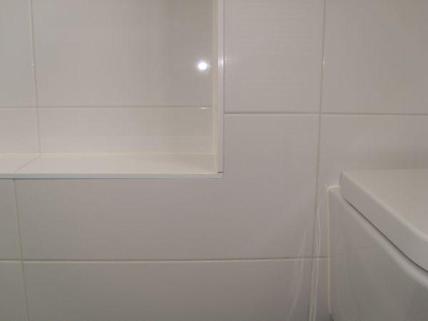 Badkamer Voegen : Tegel vervangen?