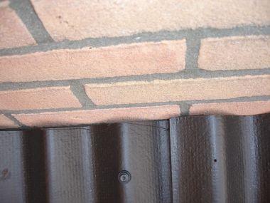 Damwand dakplaten plaatsen