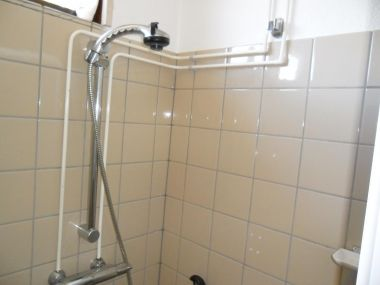 Leidingen wegwerken badkamer