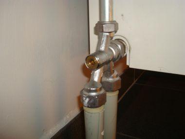 Ontluchtingsventiel radiator vervangen