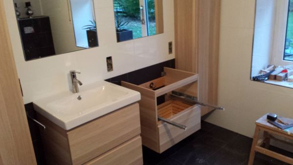 Houten Kolomkast Badkamer : Kolomkast badkamer ikea best hemnes hoge kast met spiegeldeur wit