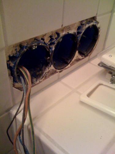 Badkamer spiegel verlichting aansluiten ontwerp inspiratie voor uw badkamer meubels thuis - Badkamer desi ...