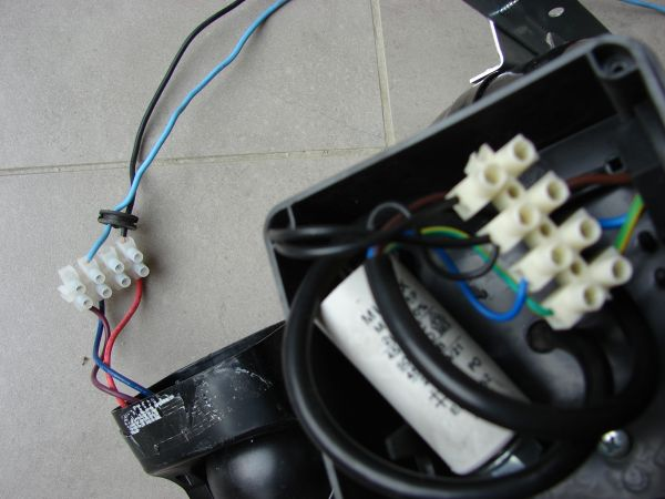 Badkamer Ventilator Elro ~  De andere (zwart,zwart,blauw,geel groen) van de ventilator
