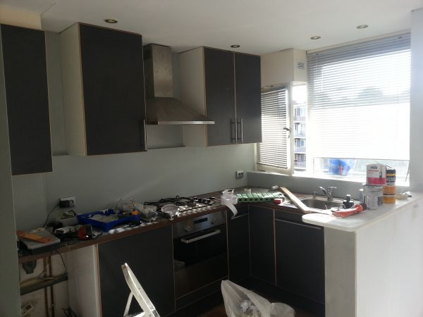 Keukenkasten Ophangen : Keukenkasten ophangen zo goed?