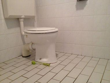 Staand Toilet Vervangen : Toilet vervangen door hangtoilet u gasafsluiter elektrisch