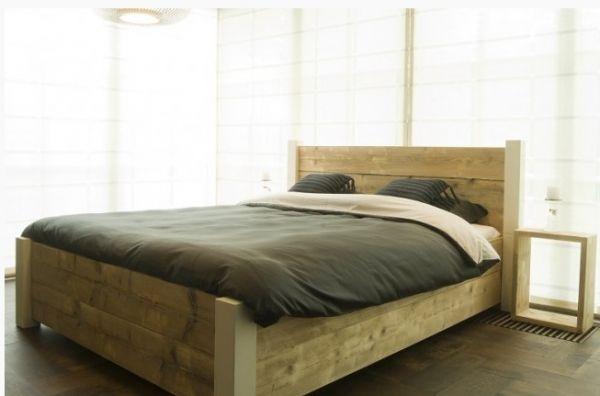 Steigerhouten bed met vuren balken maken for Bed van steigerhout maken