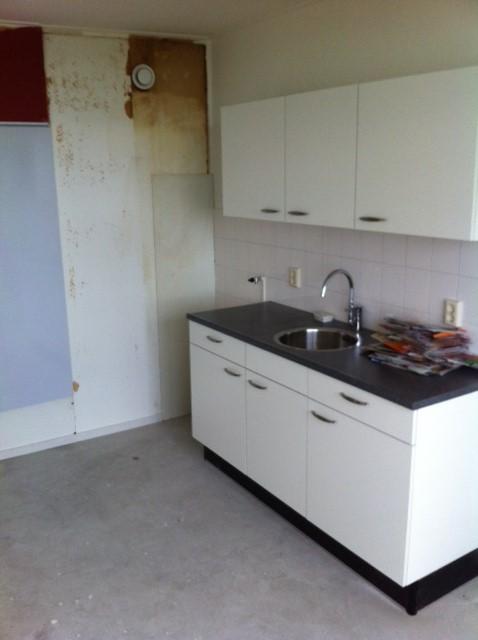 Houten Keuken Verven : Verven op oude houten wand in de keuken ( amateur )