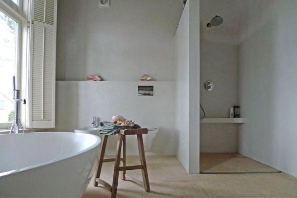 Van mini badkamer met granitovloer naar droombadkamer - Badkamer betegeld ...
