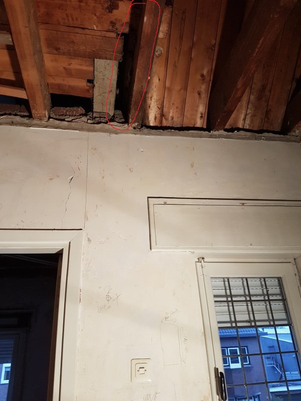 spouwmuur boven plafond badkamer jaren 30 woning