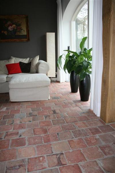 Bleken whitewashen terracotta rode estrikken tegelvloer - Verf vloertegels ...