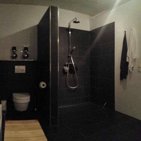 Wand voor douchehoek - Moderne badkamer met italiaanse douche ...