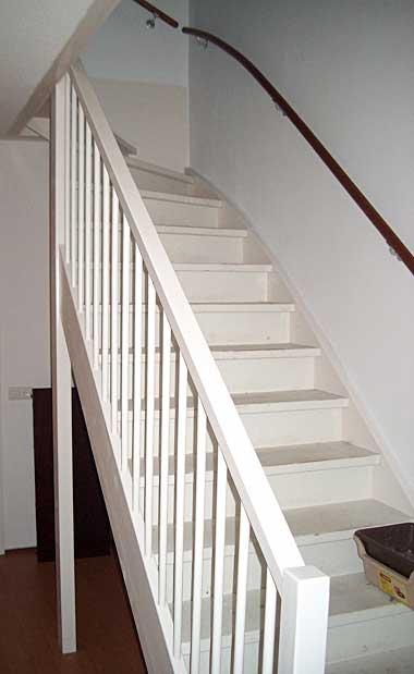 Trap schilderen grondverf dun geworden - Hoe om te schilderen een trap ...