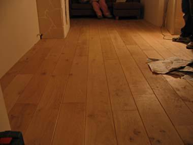 Is het moeilijk om een houten vloer te schuren