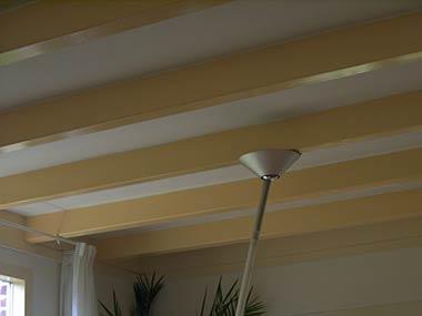 Plafond tussen balken mooi dichtmaken