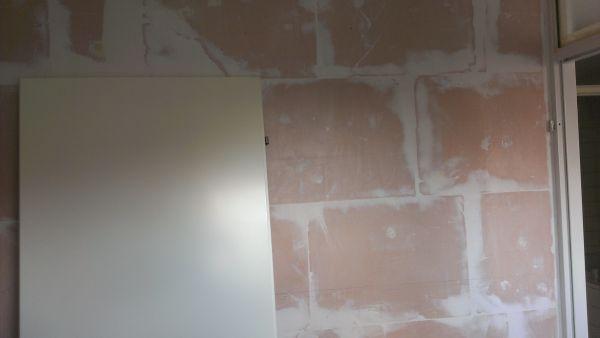 Advies wat te doen met onze slaapkamer muren for Glasvlies behang plakken