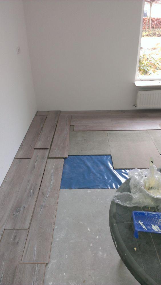 Bekend Nieuwe laminaat vloer in de breedte of lengte leggen? QV41