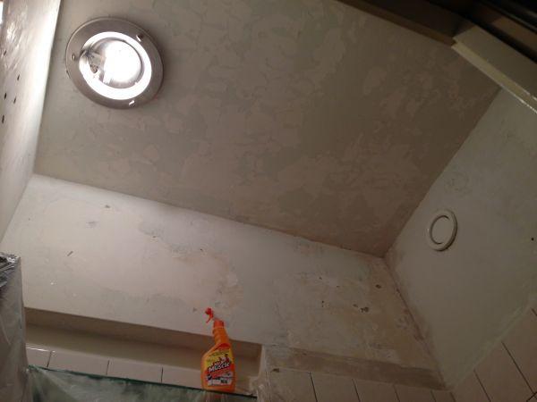 Plafond Badkamer Afsteken : Structuurverf verwijderen badkamer