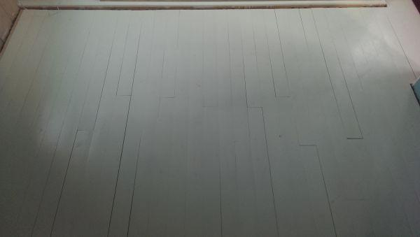 Verf Houten Vloer : Grote spleten tussen planken houten vloer