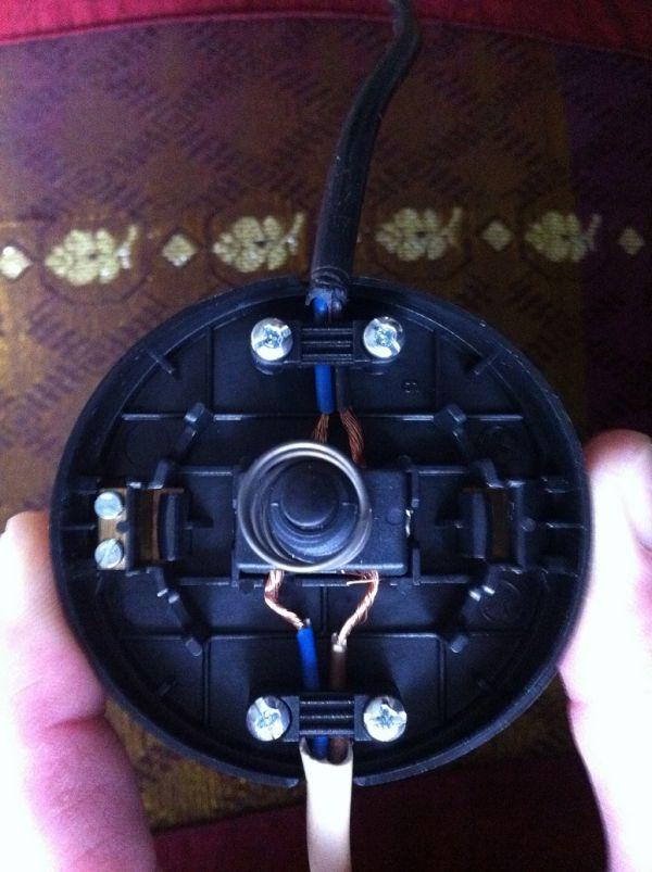 Lamp veroorzaakt kortsluiting (ook na vervanging onderdelen)