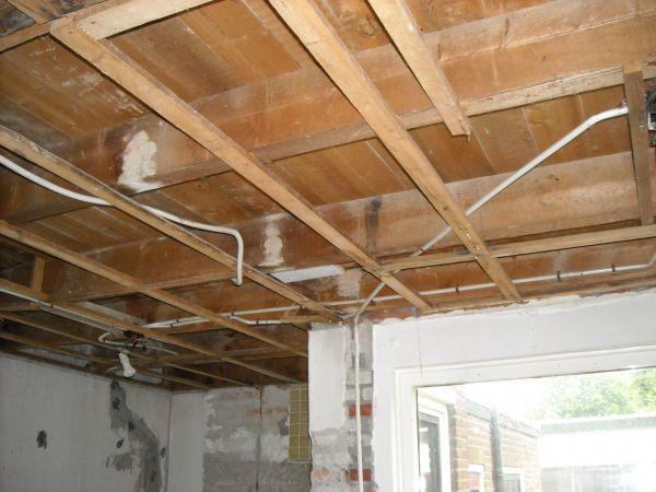 Balklaag versterken met staal - Plafond met balk ...