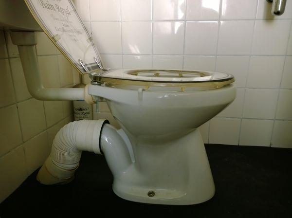 Staand Toilet Vervangen.Afvoer Toilet Nieuwe Aansluiting Wc
