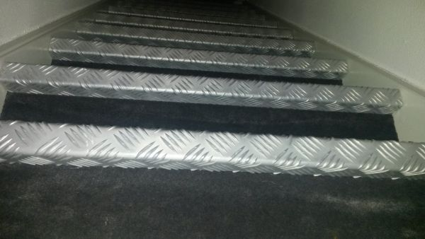 Hedendaags Traanplaat verwijderen van trap *HELP* XJ-77