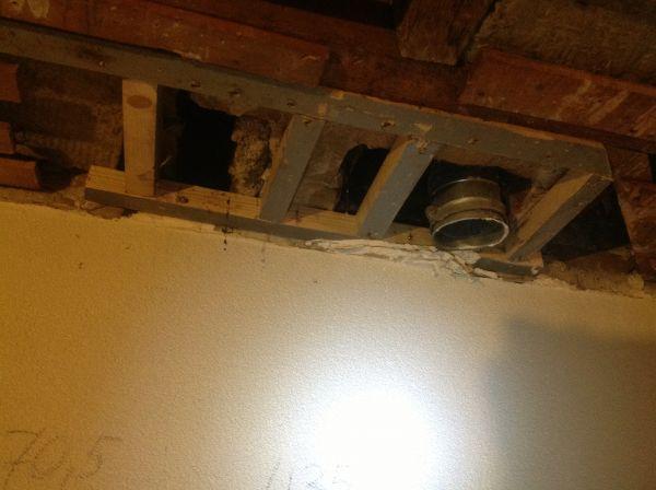 Spiksplinternieuw Rookkanaal door verlaagd plafond LP-83