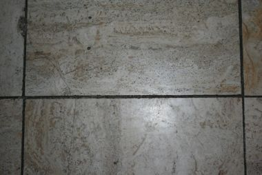 Tegels Opnieuw Voegen : Gaten in voegen 30 jaar oude travertin vloer