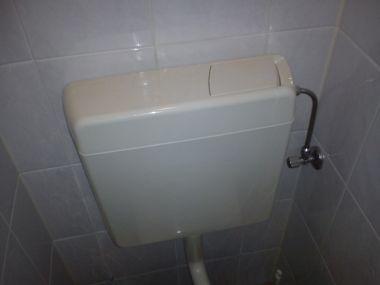 Top Aansluiting waterreservoir op toiletpot lekt XI21