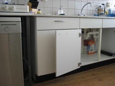 Zelf Inbouwen Vaatwasser.Afvoer Afwasmachine Plaatsen