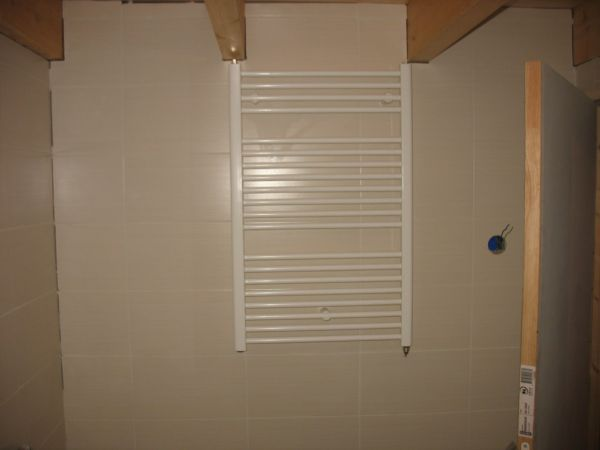 Welke Badkamer Verwarming : Elektrische badkamerverwarming ombouwen naar cv?