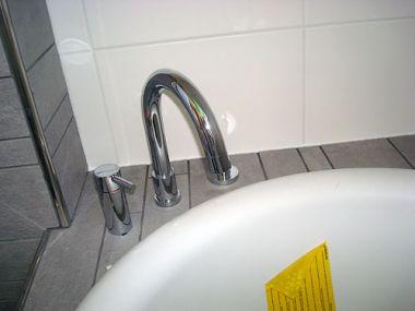 Tegels Badkamer Afkitten : Wat tips voor het kitten in badkamer