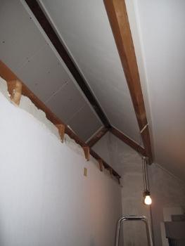 Rails Schuifdeuren Zolder.Schuifdeuren Onder Schuin Plafond Voor Vliering