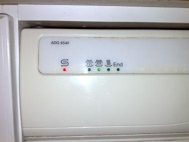 Voorkeur Whirlpool ADG 9540 WH knipperende groene lamp JO29