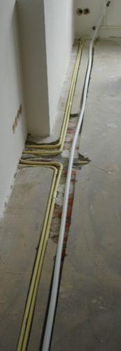 Genoeg Sleuf in cementdekvloer opvullen? UF61