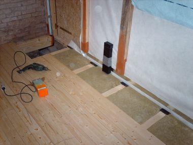 Leggen Houten Vloer : Nieuwe houten vloer in keuken. paar vragen over kruipruimte.