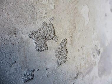 muur glad maken voor glasvezelbehang