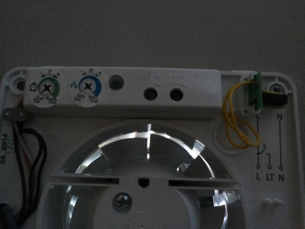 Badkamer Ventilator Test : Nieuwe badkamerventilator draait continu!