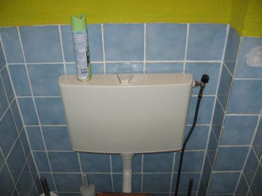 Ouderwetse Stortbak Toilet : Stortbak wc wel verbergen maar geen hangend toilet