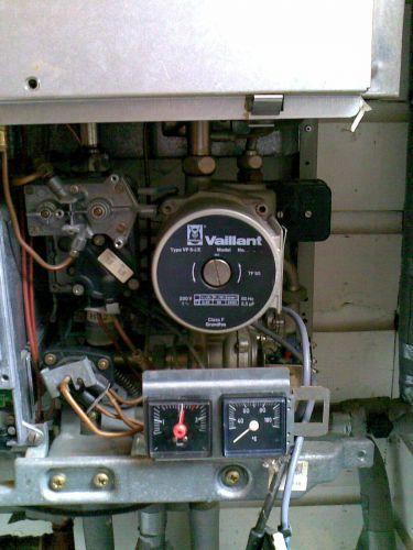 Defecte verwarmingspomp vaillant vp5 ze in vaillant vcw182e for Caldaie vaillant modelli vecchi
