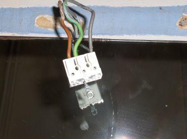 Aarden Badkamer Verplicht : Verlichting monteren in badkamer