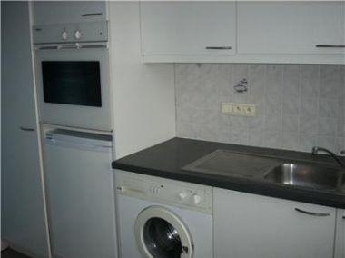Hoogte Werkblad Badkamer : Wasmachine en droger naast elkaar wasbak erboven