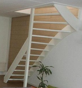 Trap treden laten los for Nieuwe trap laten plaatsen