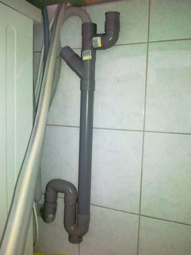 Afvoer voor wasmachine en vaatwasser loopt over - Hoe een stuk scheiden ...