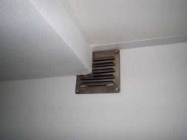 Mechanische ventilatie lichte fluittoon geruis