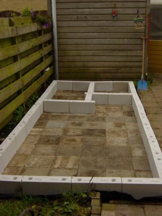 Welke blokken zijn dit en is dit goed voor buitengebruik for Zelf zwembad bouwen betonblokken