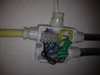 Fabulous Stopcontact aanleggen op zolder (raare situatie) GJ32